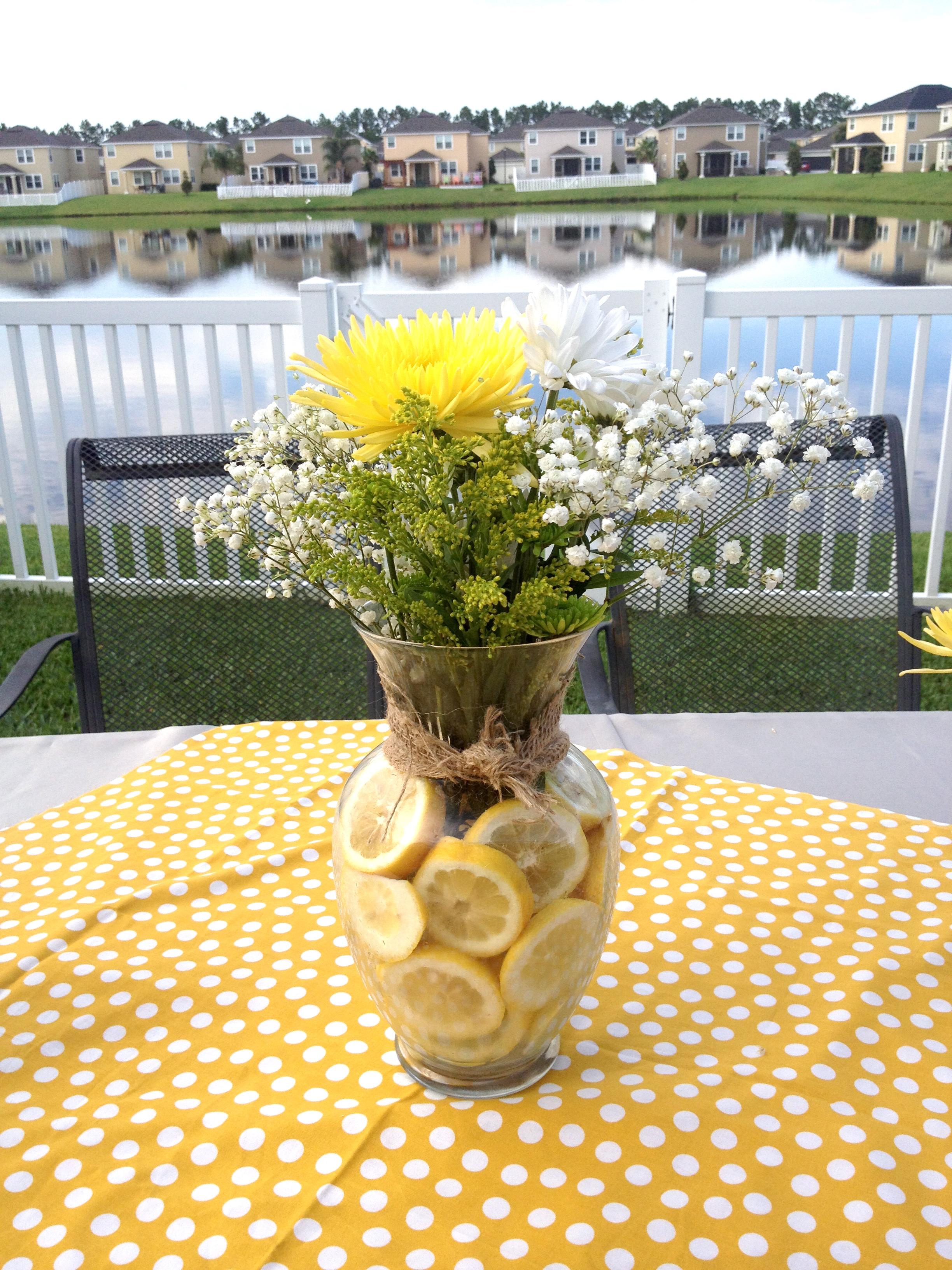 Lemons as Vase Filler in Flower Arrangements