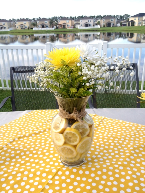 Lemons as Vase Filler in Flower Arrangements